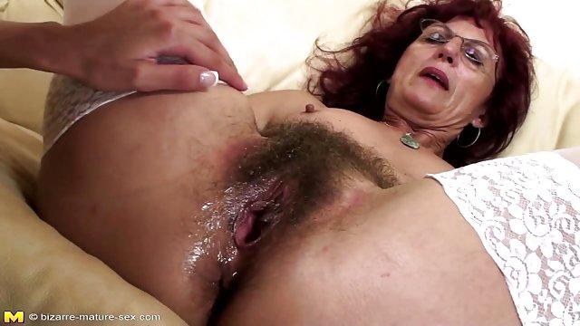 Горячая Тит киска волосатая мама сексуальный член в задницу
